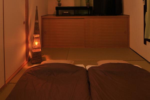 寝室(和室8畳)